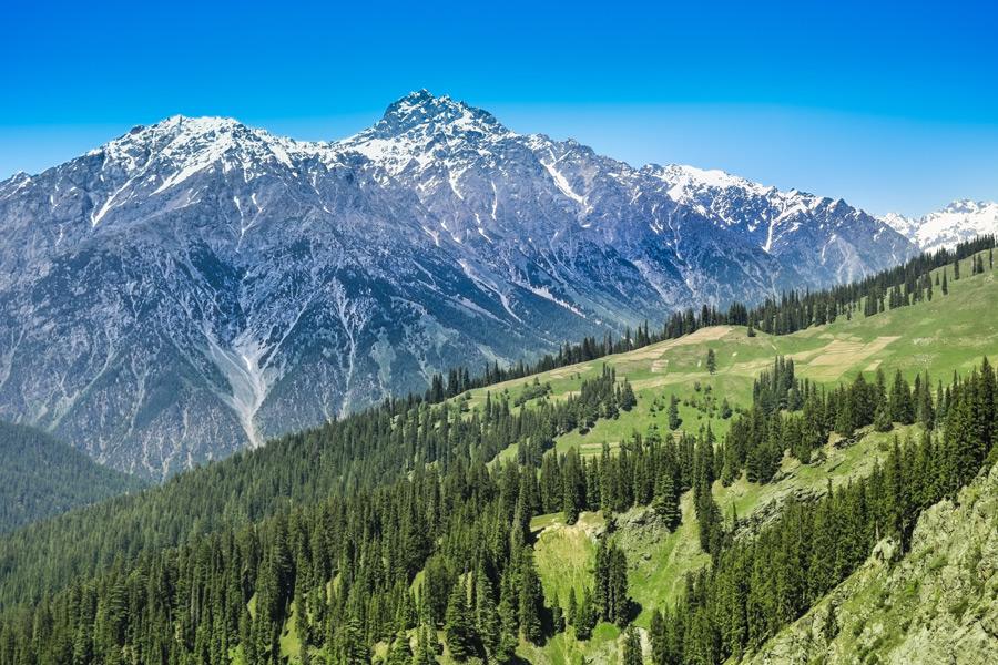 وادیٔ اتروڑ کی دیسان ویلی جہاں قدرت اپنی تمام تر رعنائیوں کے ساتھ جلوہ گر ہے