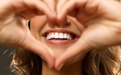 دانتوں کو صحت مند رکھنے کے تین آسان طریقے