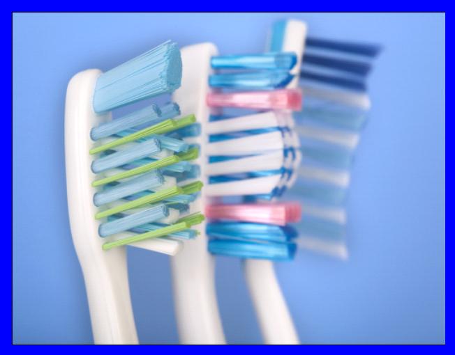دانتوں کی صحت کے لئے نرم برش استعمال کریں