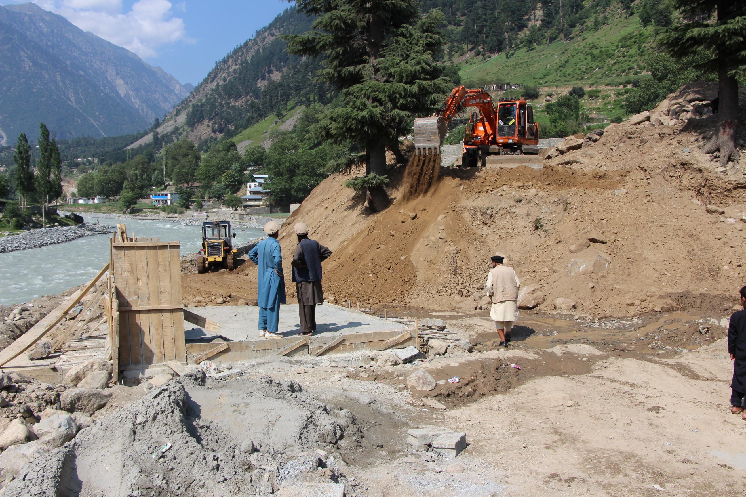 کالام میں جاری ترقیاتی کام کا ایک منظر (عکاسی: امجد علی سحاب