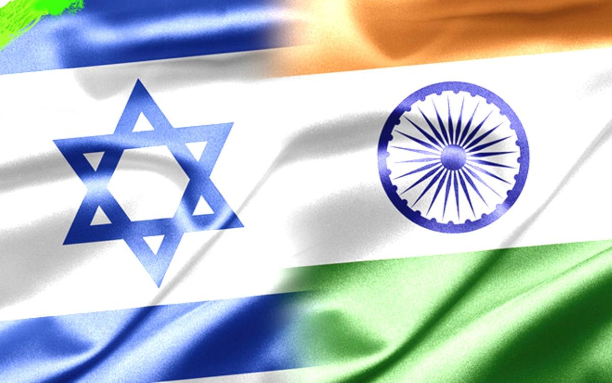 اسرائیل اور بھارت کے تعلقات کافی پرانے ہیں۔ اُن کے درمیان تجارت بھی کافی مستحکم ہے۔ اسلحے کی تجارت قابل ذکر ہے، لیکن ان سب کے باوجود مودی سے پہلے غالباً کسی بھی بھارتی وزیراعظم نے اسرائیل کا دورہ نہیں کیا تھا۔ اس لیے مودی پہلے وزیراعظم ہیں جو اسرائیل تشریف لے گئے تھے۔