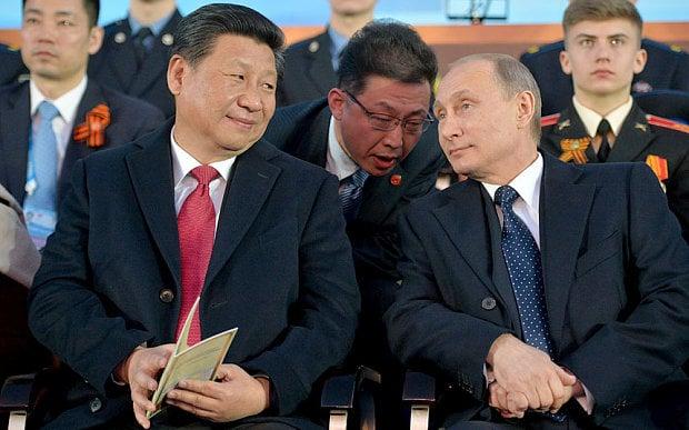 ہمارے حق میں چین بول پڑا اور واضح انداز میں بیان دیا مگر ہم شاید ابھی تک وہ کی بورڈ ایجاد نہیں کر پائے جس سے ہم ایک واضح جواب ٹائپ کر پائیں۔ روس اور چین اپنے مفادات کے لیے ہمارے حق میں بول پڑے، لیکن اپنے مفاد کے لیے ہم نہ بول پائے۔