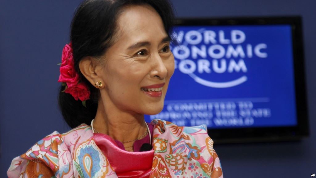 میانمار کے صدر کا بیان جاری ہوا جس میں ان کا کہنا تھا کہ مسلم کش فسادات روکنے کا ایک ہی حل ہے، یا تو مسلمان ملک بدر ہوجائیں یا مہاجرین کیمپوں میں سکونت اختیار کرلیں۔ یہ بیان روہنگیا برادری کے زخموں پر نمک چھڑکنے کے مترادف تھا۔ حتی کہ میانمار کی نوبل انعام یافتہ رہنما ''آنگ سان سوچی'' بھی ان مظالم پر خاموش نظر آتی ہیں۔