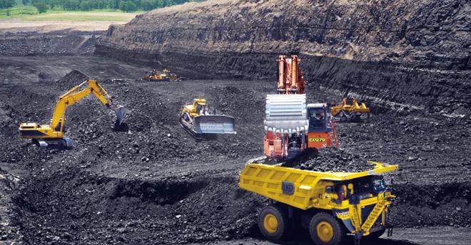 پاکستان کوئلے کے ذخائر کے حوالے سے چین اور امریکہ کے بعد تیسرے نمبر پر ہے، جہاں پر پوری دنیا کے انیس فیصد کوئلے کے ذخائر موجود ہیں۔